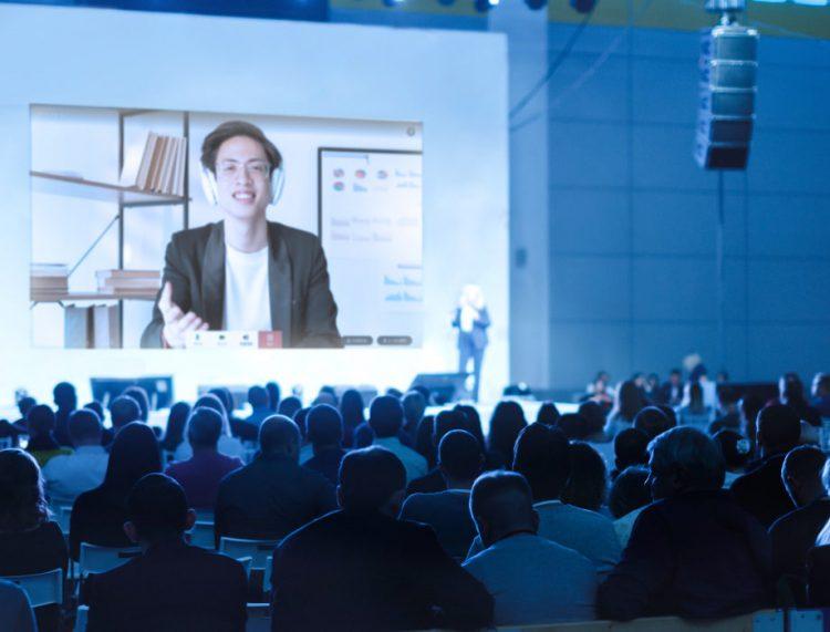 オンライン参加者とリアル会場の参加者の交流